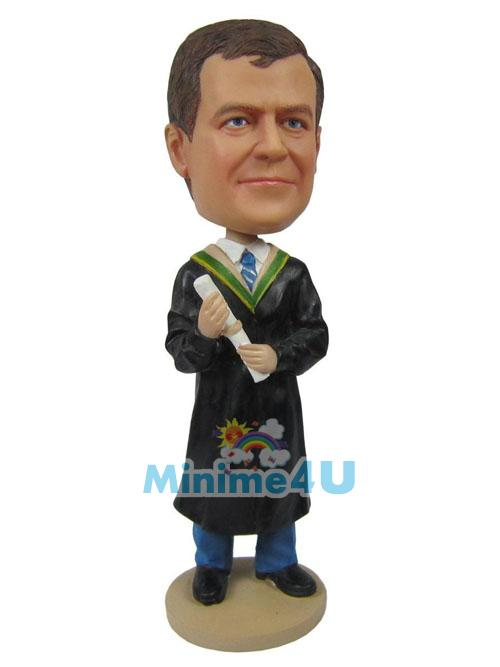 Graduation theme figurine
